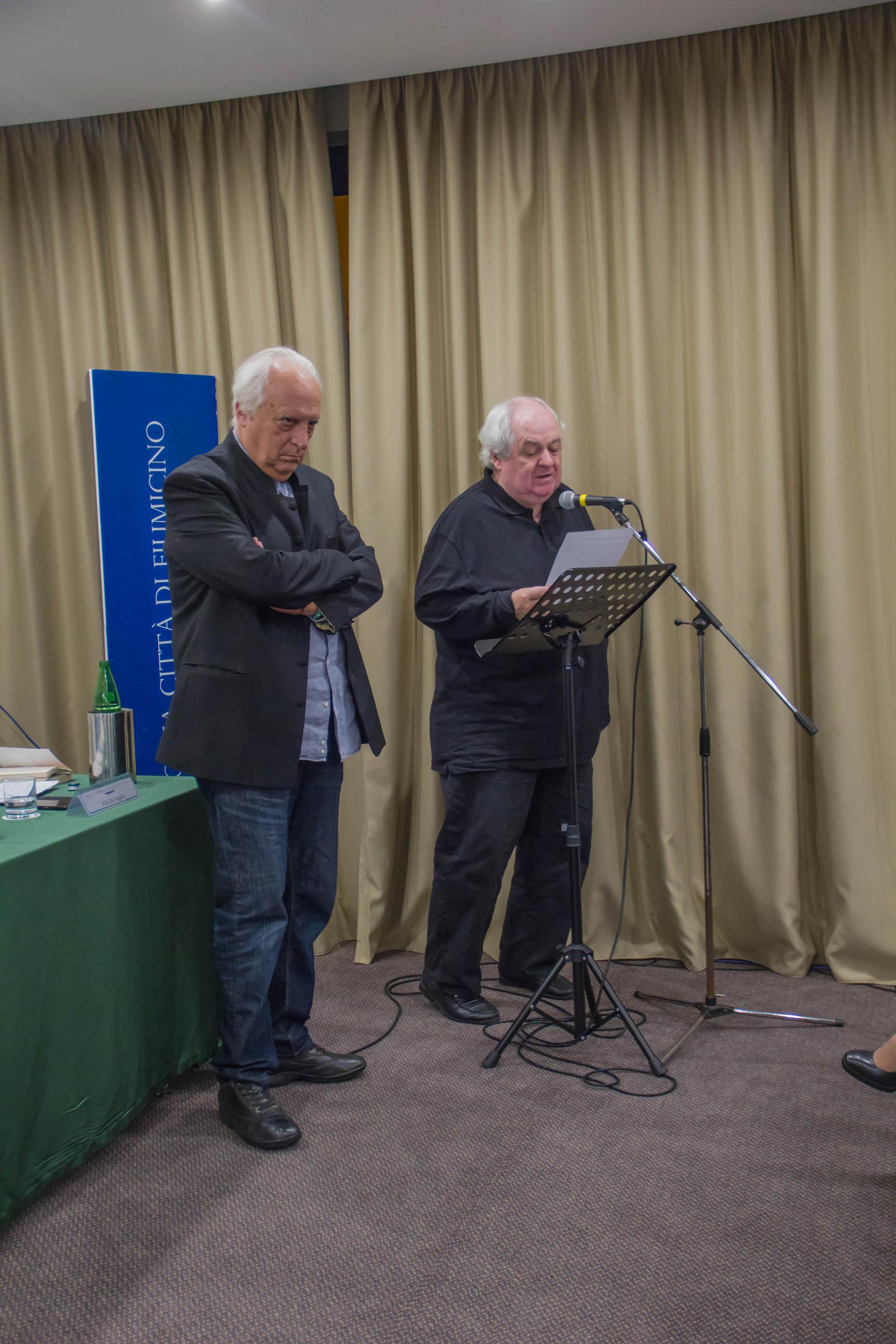 Milo De Angelis legge le motivazioni per il Premio Poesia edita a Giuseppe Conte