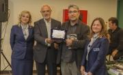 Rappresentanti AdR e presidente Caruso premiano Fawzi al Delmi per premio Traduzione